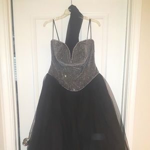 Dresses & Skirts - Special occasion dress